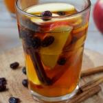 Herbata z jablkami, cynam...