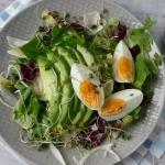 Salatka z jajkiem i awoka...