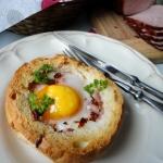 Jajka sadzone w bulce