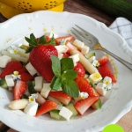 Salatka z szparagami i tr...