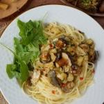Makaron z grzybami i sose...