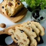 Chleb z oliwkami i orzech...