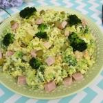 Salatka brokulowa z szynk...
