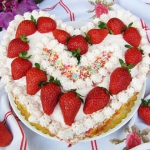 Tort Truskawkowy...