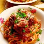 Spaghetti z klopsikami /...