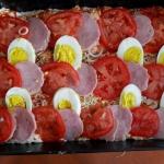 wiejska pizza z jajkiem,...