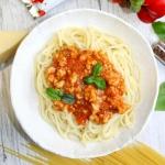 Spaghetti z prostym sosem...
