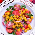 Salatka z pomidorkami i c...