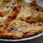 Pizza i sos czosnkowy