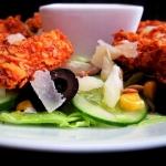 Salata z warzywami i palu...