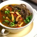 Zupa miso z shimeji i...