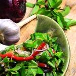 Salata z sosem wloskim
