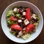 Weganska salatka z zielon...