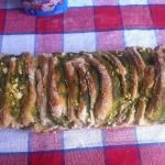 Odrywany chlebek z pesto...