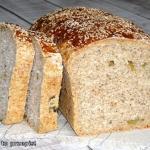 Chleb orkiszowy z oliwkam...