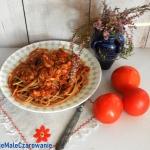 Razowe spaghetti z sosem...