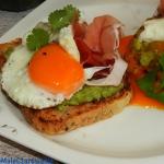 Kanapki z jajem i awokado...