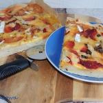 Buraczana pizza z...