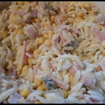 Salatka z makaronu orzo