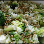 Salatka z ryzu i brokulow...