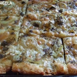 Pizza biała z sardelami...