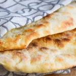 Chlebek naan –...