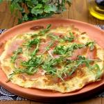 Pizza bianca z szynką...