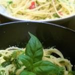 Spaghetti z czosnkiem, pe...