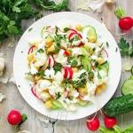 Salatka kalafiorowa z ogo...