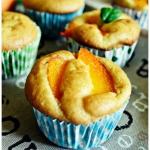 Muffiny z morelami i kasz...