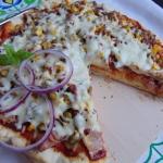 Domowa pizza z wędliną...