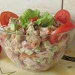 Salatka z boczkiem i awok...
