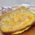 Czosnkowe pieczywo z jajk...