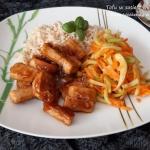Tofu w sosie z mirabelek
