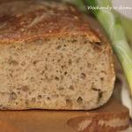 Chleb na zakwasie z czosn...