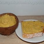Hummus z mango i kokosem