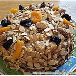 Cukiniowy tort z sosem ba...