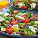 Salatka z winogronami i s...