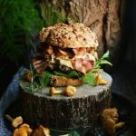 Jesienny burger z suszona...