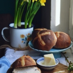 Hot cross buns z zurawina...