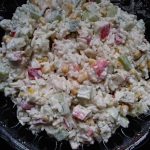Salatka z ryzem i surimi