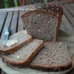 Chleb orkiszowy ze...