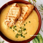 Zupa serowo - cebulowa