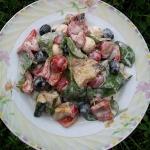 Salatka ze szpinakiem i g...