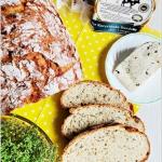 Chleb z serem, forsycją...