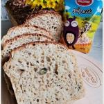 Chleb z ziarnami i...