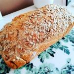 Razowy chleb ze...