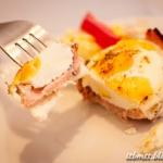 Śniadanie podano - jajko...