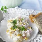 Salatka z ryzem,szynka i ...