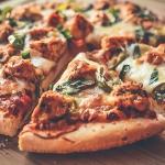 Pizza z kurczakiem i papr...